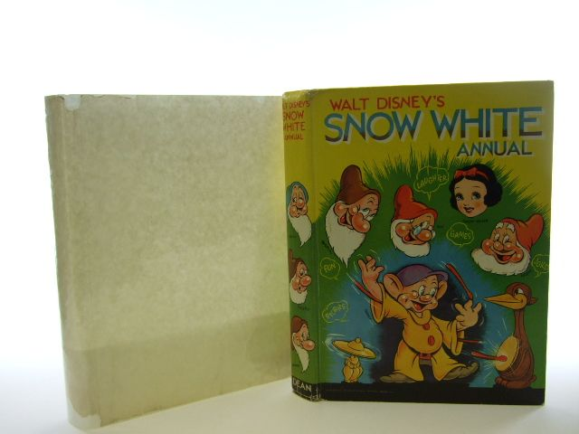 Photo of SNOW WHITE ANNUAL written by Disney, Walt illustrated by Disney, Walt published by Dean & Son Ltd. (STOCK CODE: 1106562)  for sale by Stella & Rose's Books