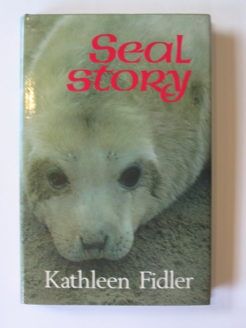 Photo of SEAL STORY written by Fidler, Kathleen illustrated by Phillips, Douglas published by Lutterworth Press (STOCK CODE: 1302512)  for sale by Stella & Rose's Books