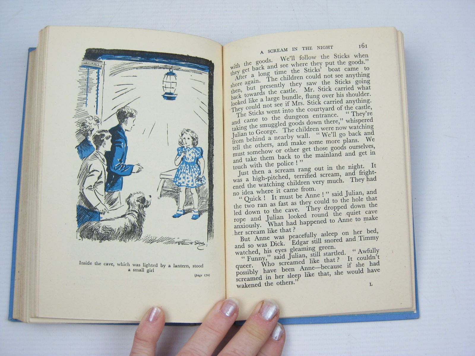 Photo of FIVE RUN AWAY TOGETHER written by Blyton, Enid illustrated by Soper, Eileen published by Hodder & Stoughton (STOCK CODE: 1312353)  for sale by Stella & Rose's Books