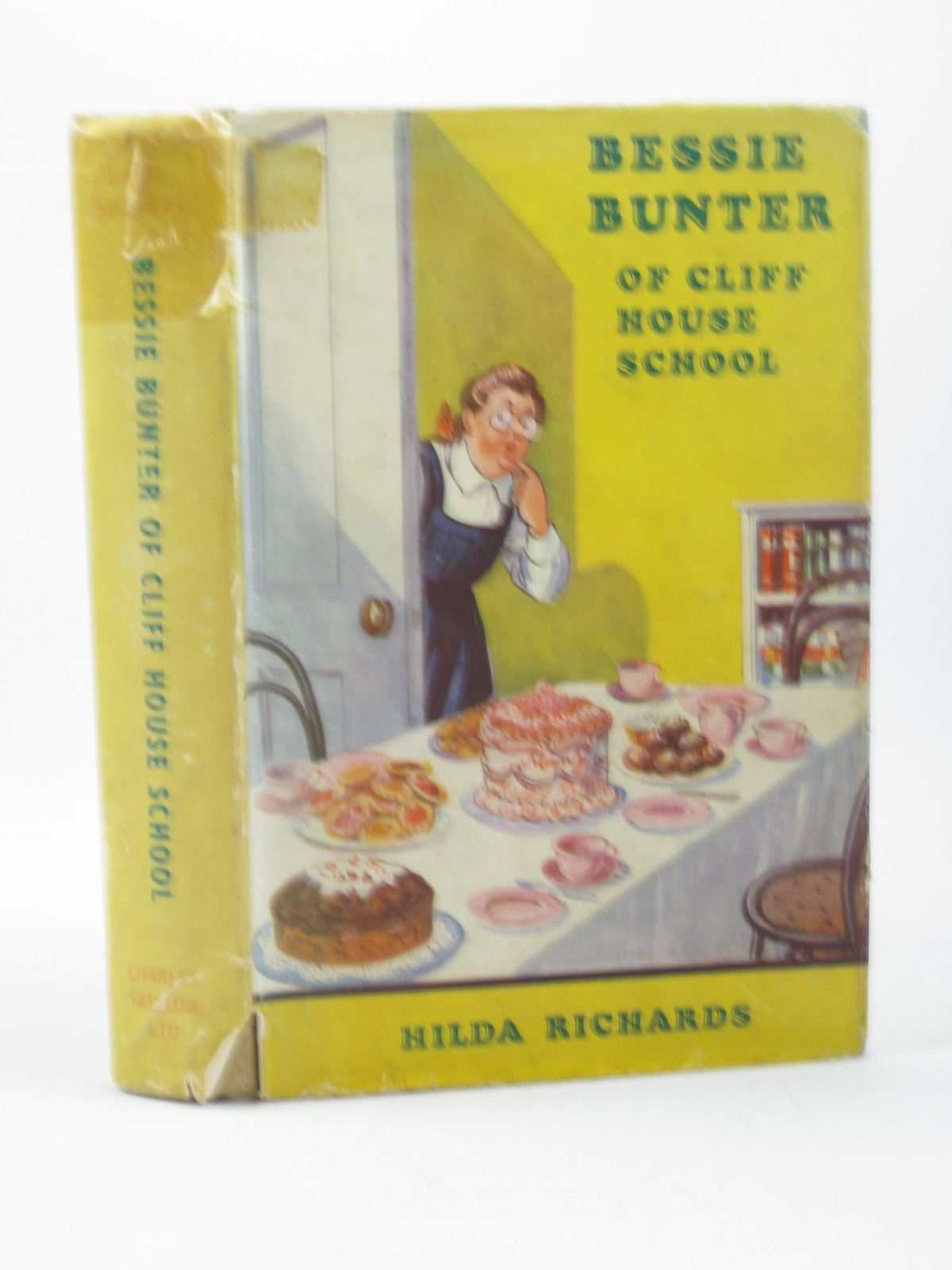Photo of BESSIE BUNTER OF CLIFF HOUSE SCHOOL written by Richards, Hilda illustrated by Macdonald, R.J. published by Charles Skilton (STOCK CODE: 1312859)  for sale by Stella & Rose's Books