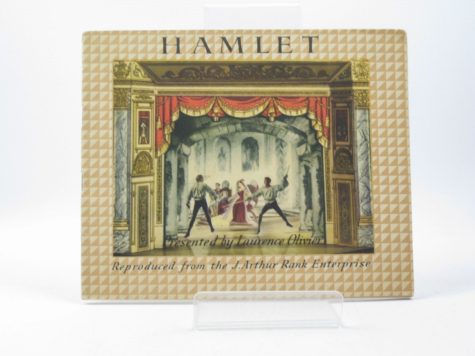 Photo of HAMLET written by Shakespeare, William<br />Olivier, Laurence illustrated by Furse, Roger published by Benjamin Pollock Limited (STOCK CODE: 1312885)  for sale by Stella & Rose's Books
