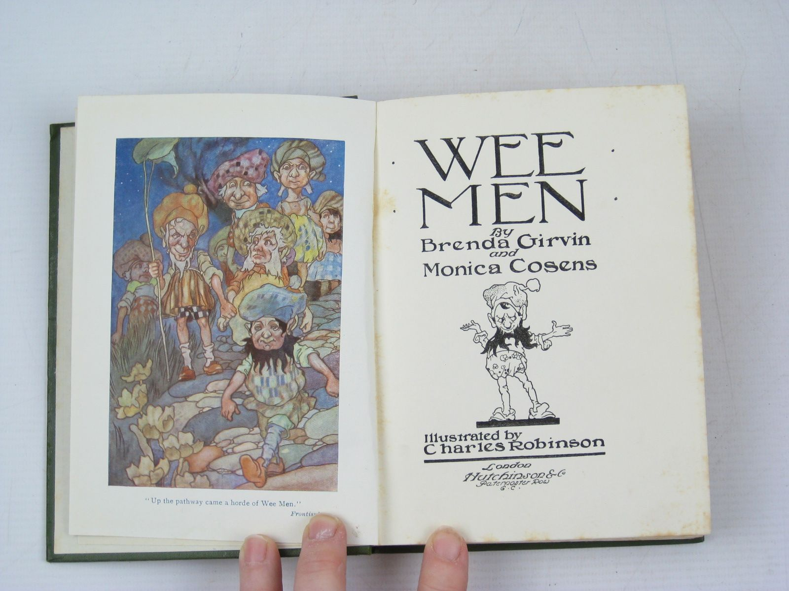 Photo of WEE MEN written by Girvin, Brenda<br />Cosens, Monica illustrated by Robinson, Charles published by Hutchinson & Co. (STOCK CODE: 1314082)  for sale by Stella & Rose's Books