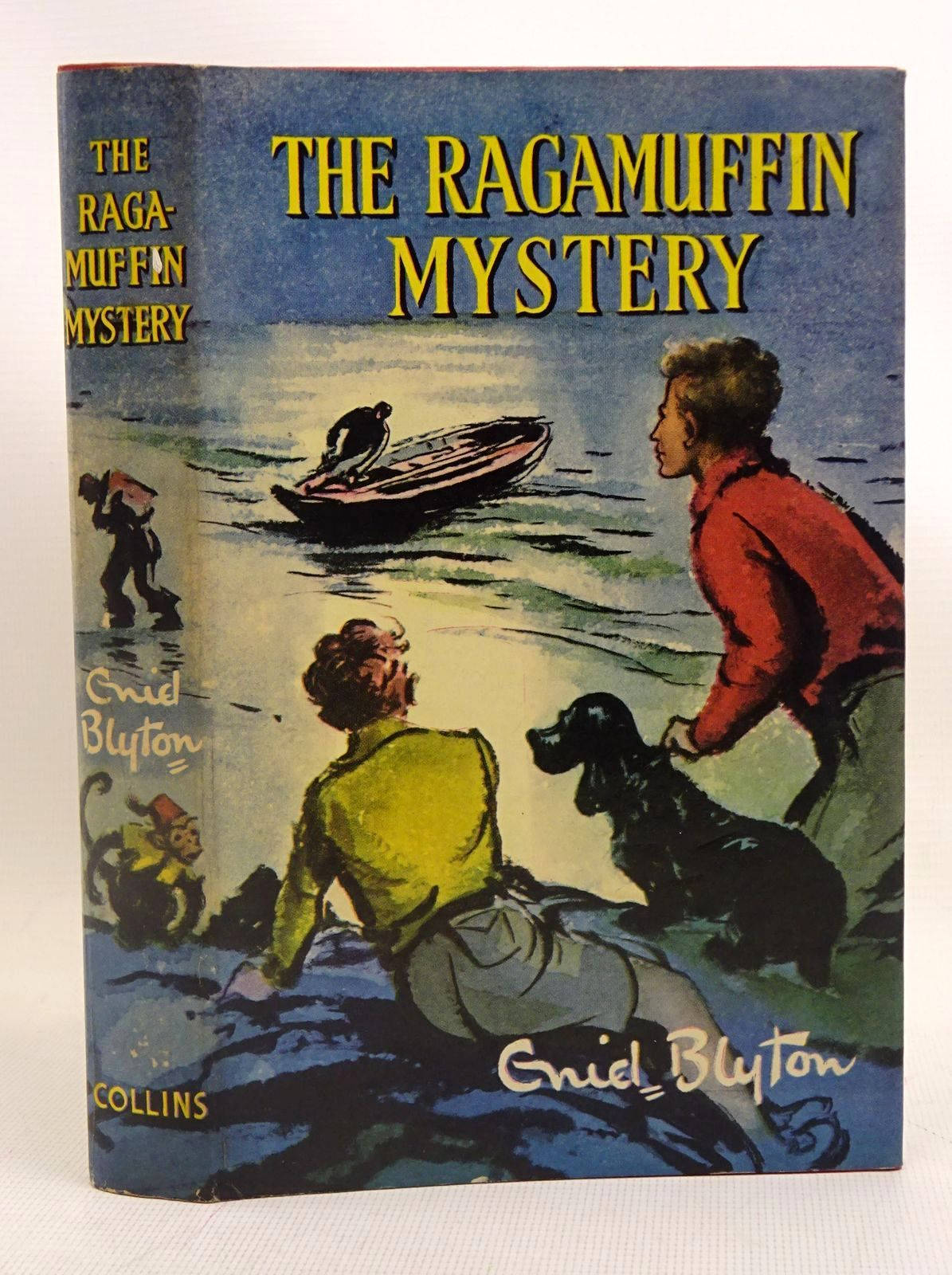 Photo of THE RAGAMUFFIN MYSTERY written by Blyton, Enid illustrated by Dunlop, Gilbert published by Collins (STOCK CODE: 1317566)  for sale by Stella & Rose's Books
