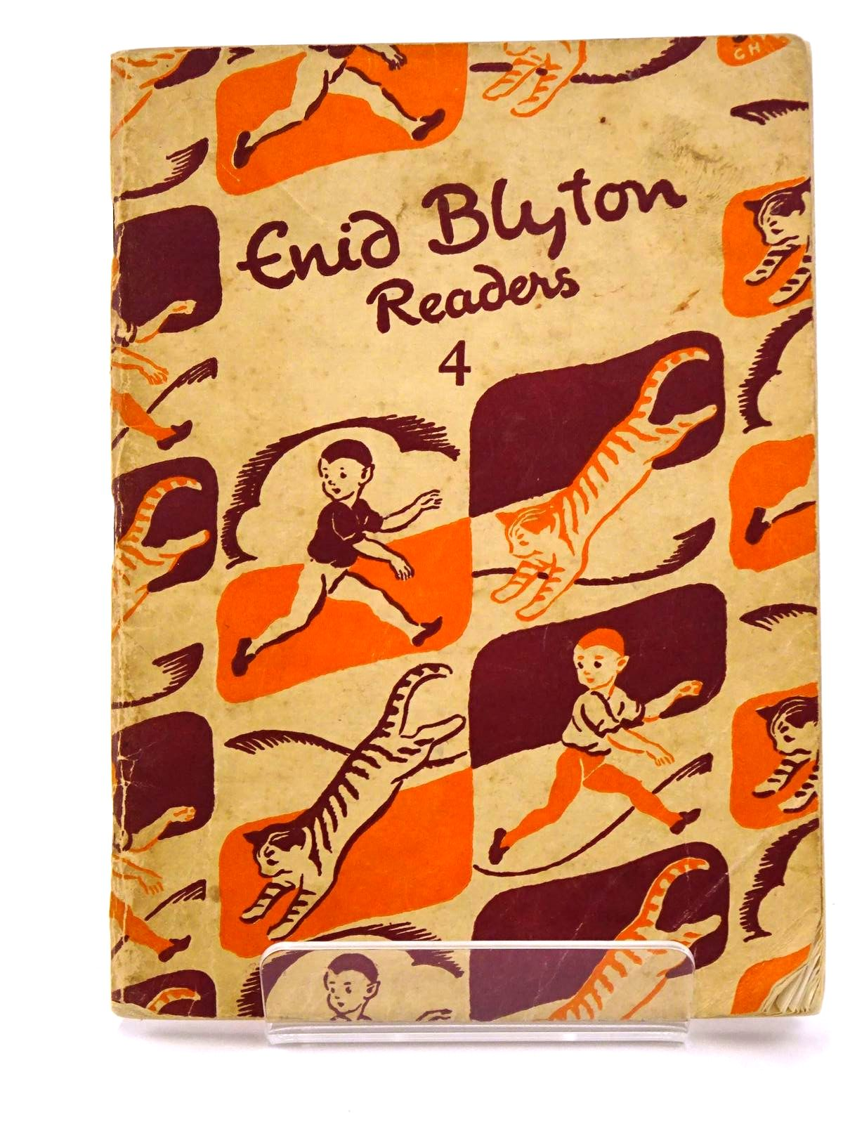 Photo of ENID BLYTON READERS 4 written by Blyton, Enid illustrated by Soper, Eileen published by Macmillan & Co. Ltd. (STOCK CODE: 1318207)  for sale by Stella & Rose's Books