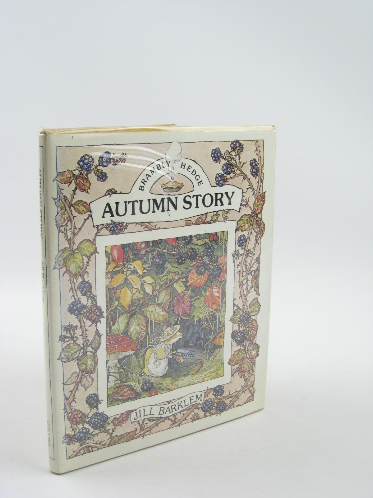 Photo of AUTUMN STORY written by Barklem, Jill illustrated by Barklem, Jill published by Collins (STOCK CODE: 1401782)  for sale by Stella & Rose's Books