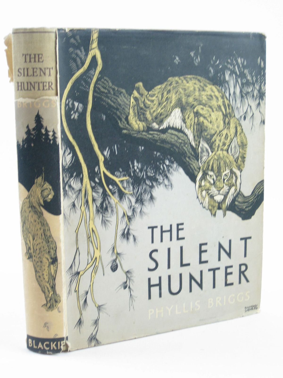 Photo of THE SILENT HUNTER written by Briggs, Phyllis illustrated by Sheppard, Raymond published by Blackie & Son Ltd. (STOCK CODE: 1401934)  for sale by Stella & Rose's Books