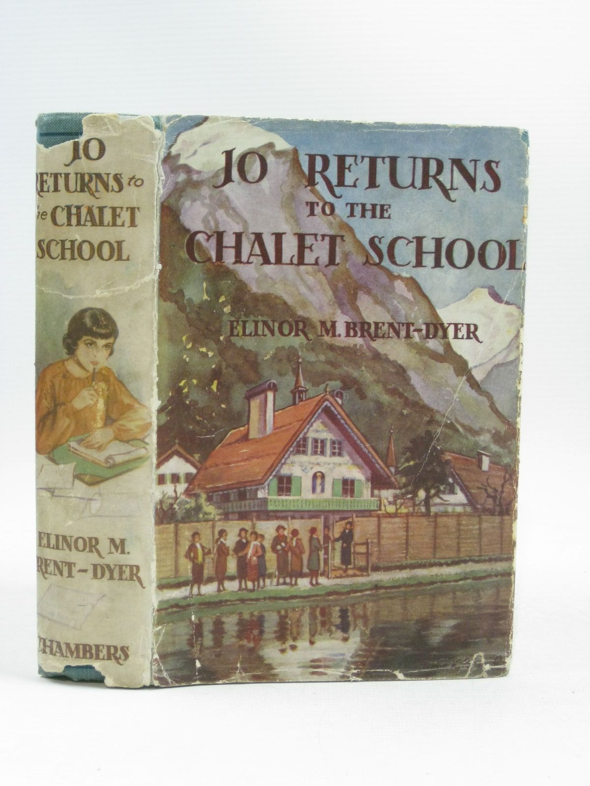 Photo of JO RETURNS TO THE CHALET SCHOOL- Stock Number: 1404286