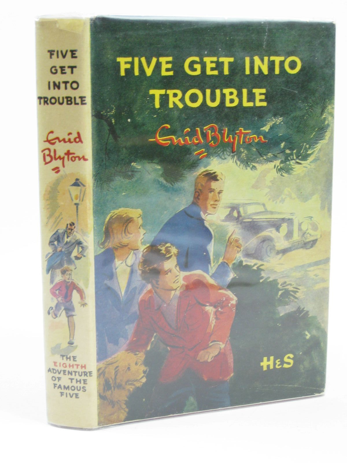 Photo of FIVE GET INTO TROUBLE written by Blyton, Enid illustrated by Soper, Eileen published by Hodder & Stoughton (STOCK CODE: 1406325)  for sale by Stella & Rose's Books