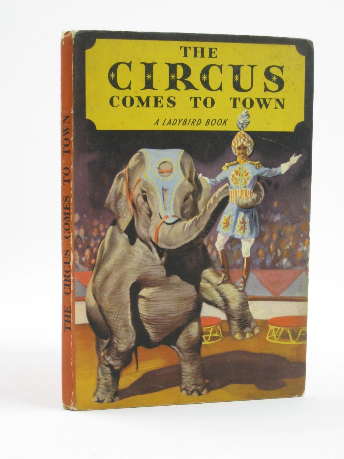 Photo of THE CIRCUS COMES TO TOWN written by Constanduros, Denis illustrated by Kenney, John published by Wills & Hepworth Ltd. (STOCK CODE: 1406607)  for sale by Stella & Rose's Books