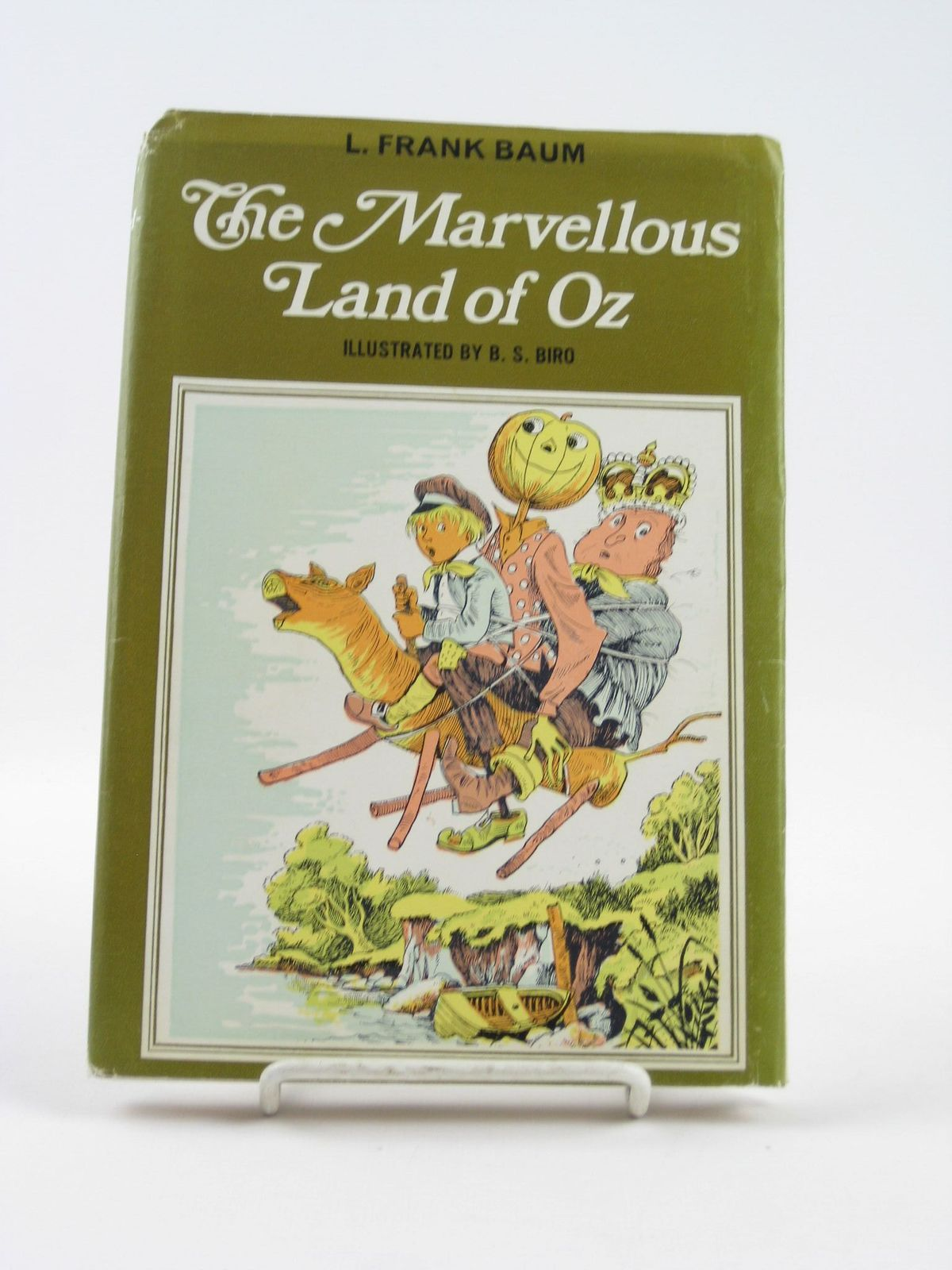 Photo of THE MARVELLOUS LAND OF OZ written by Baum, L. Frank illustrated by Biro, B.S. published by J.M. Dent & Sons Ltd., E.P. Dutton & Co. Inc. (STOCK CODE: 1501676)  for sale by Stella & Rose's Books