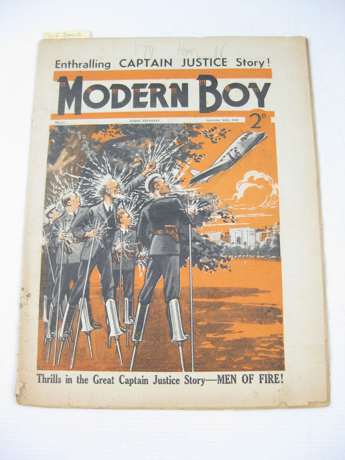 Photo of MODERN BOY No. 32 SEPTEMBER 24TH 1938 written by Johns, W.E.<br />Roberts, Murray<br />Rochester, George E.<br />et al, published by The Amalgamated Press (STOCK CODE: 1503752)  for sale by Stella & Rose's Books
