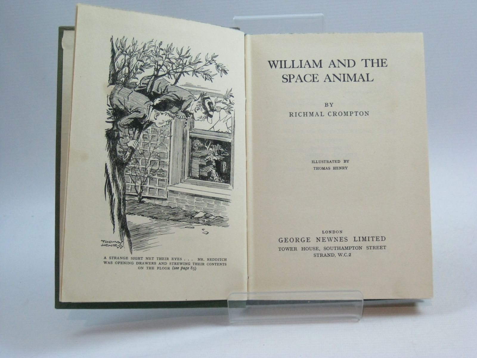 Photo of WILLIAM AND THE SPACE ANIMAL written by Crompton, Richmal illustrated by Henry, Thomas published by George Newnes (STOCK CODE: 1504942)  for sale by Stella & Rose's Books