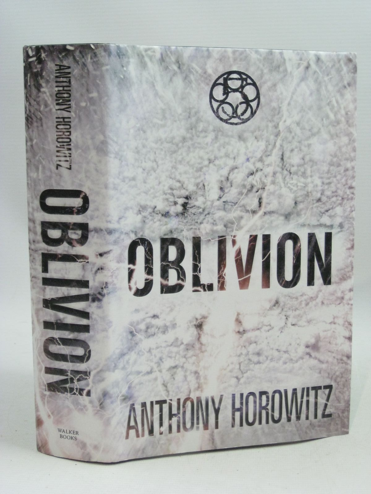 Photo of OBLIVION written by Horowitz, Anthony published by Walker Books (STOCK CODE: 1505671)  for sale by Stella & Rose's Books