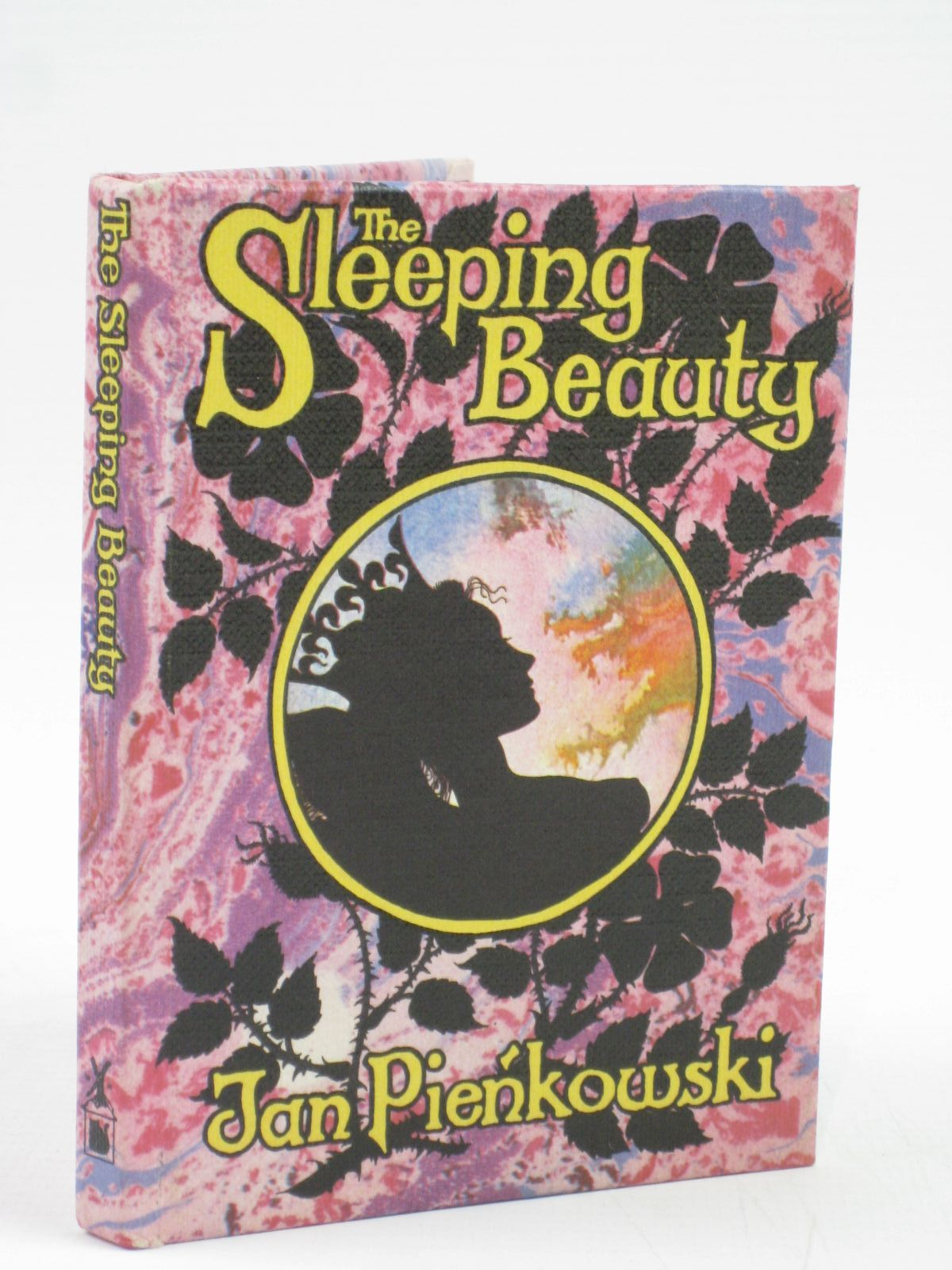 Photo of THE SLEEPING BEAUTY written by Grimm, Brothers illustrated by Pienkowski, Jan published by Heinemann, Gallery Five (STOCK CODE: 1506761)  for sale by Stella & Rose's Books