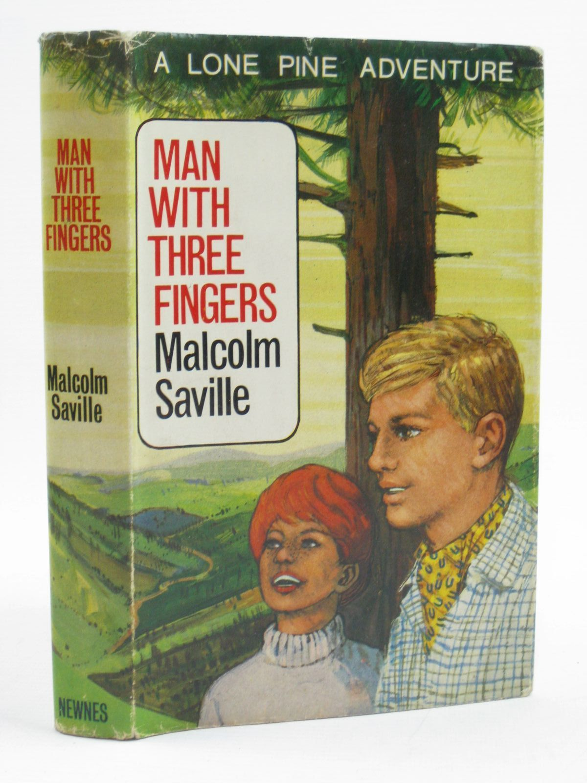 Photo of MAN WITH THREE FINGERS written by Saville, Malcolm illustrated by Whittlesea, Michael published by Newnes (STOCK CODE: 1507446)  for sale by Stella & Rose's Books