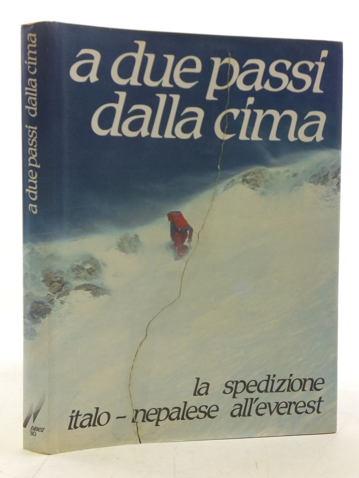 Photo of A DUE PASSI DALLA CIMA written by Favaro, Adriano published by Everest 80 (STOCK CODE: 1606234)  for sale by Stella & Rose's Books