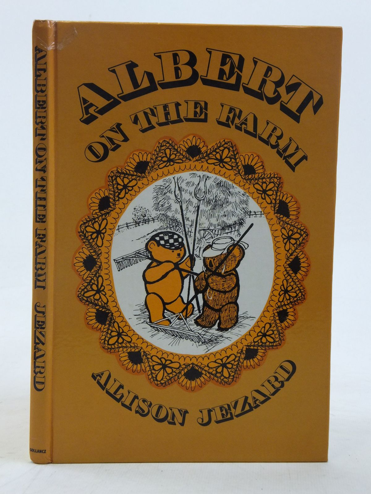 Photo of ALBERT ON THE FARM written by Jezard, Alison illustrated by Gordon, Margaret published by Victor Gollancz Ltd. (STOCK CODE: 1606733)  for sale by Stella & Rose's Books