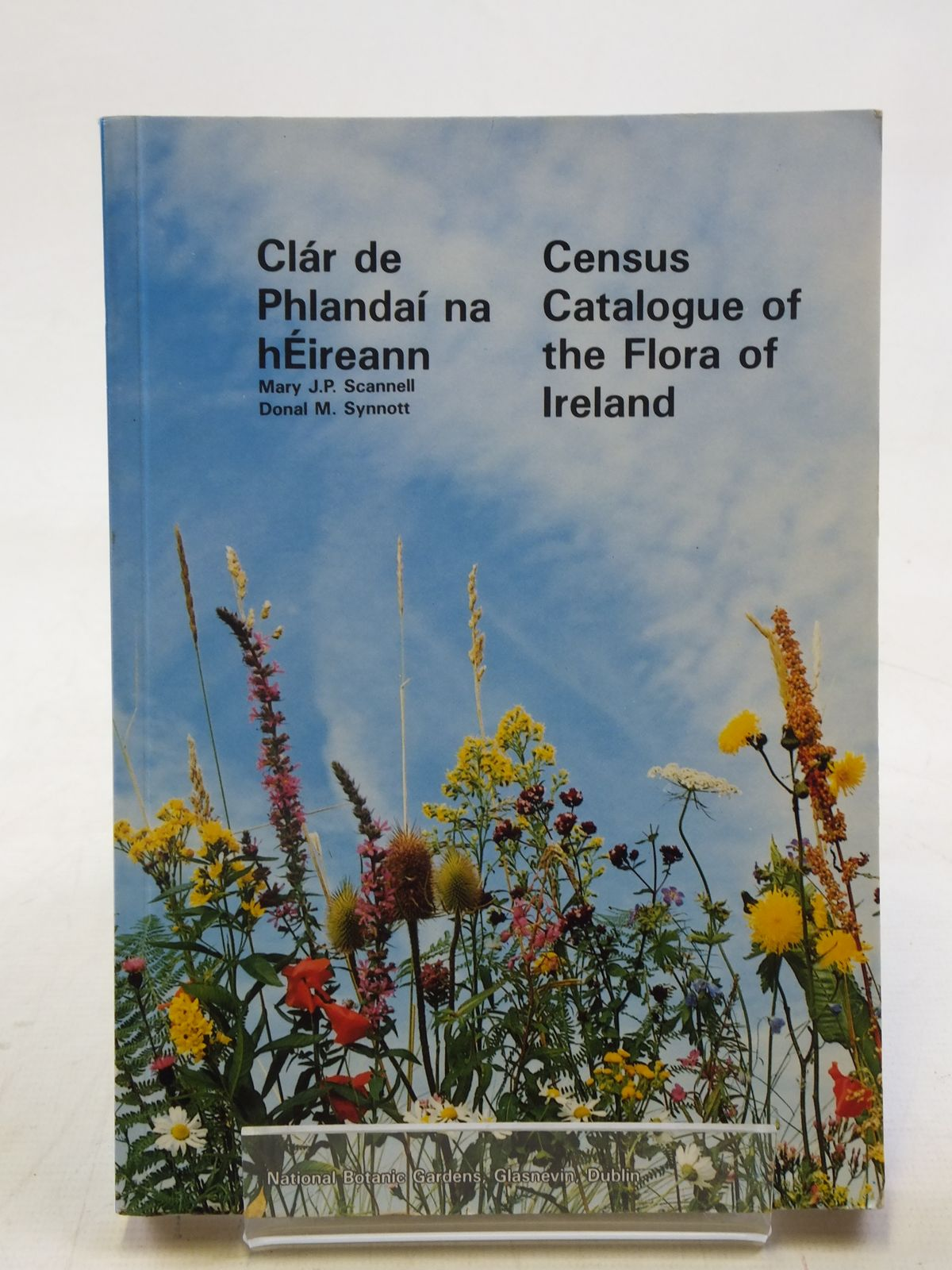 Photo of CENSUS CATALOGUE OF THE FLORA OF IRELAND written by Scannell, Mary J.P.<br />Synnott, Donal M. published by National Botanic Gardens (STOCK CODE: 1606794)  for sale by Stella & Rose's Books