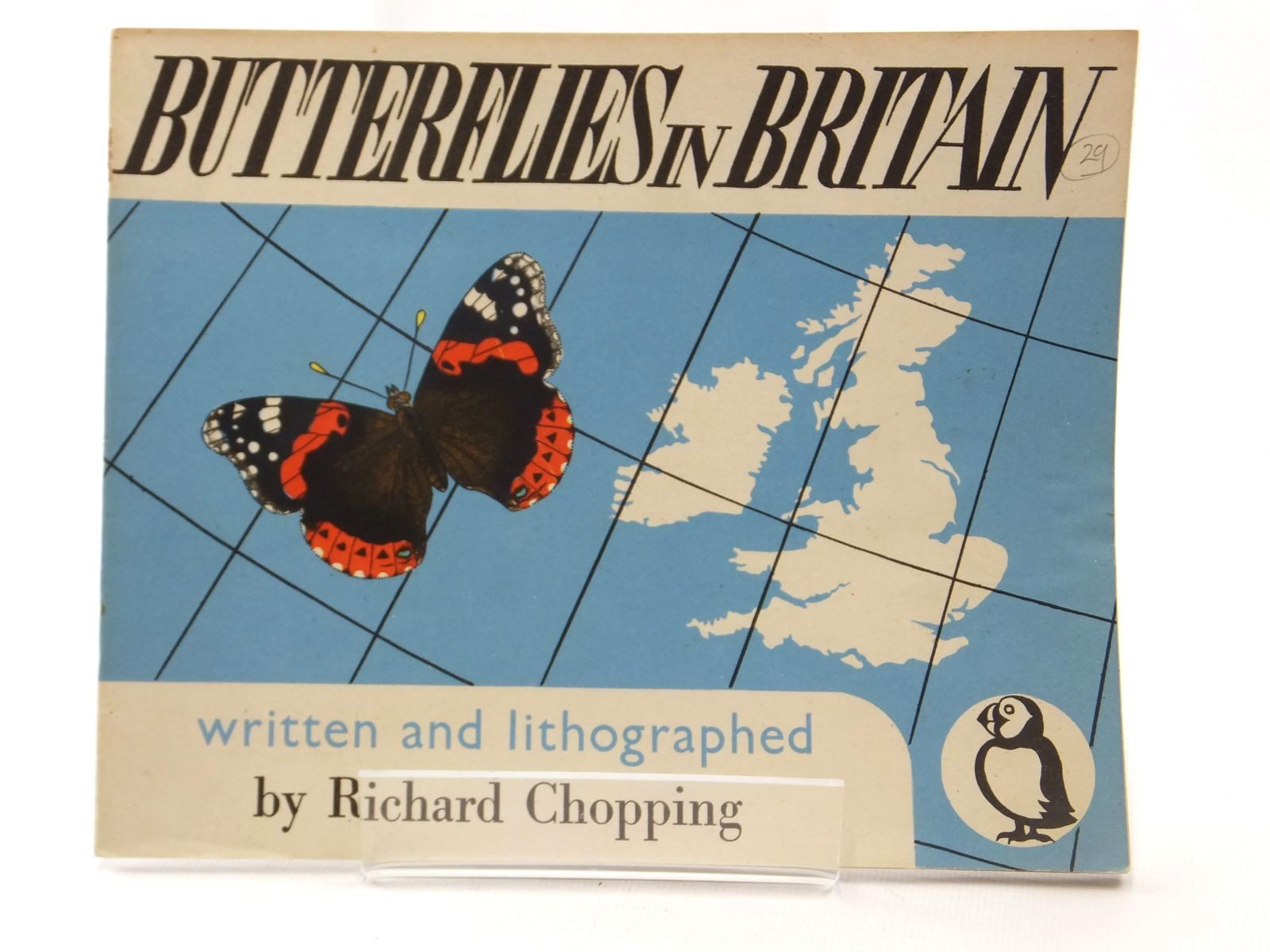 Photo of BUTTERFLIES IN BRITAIN written by Chopping, Richard illustrated by Chopping, Richard published by Penguin (STOCK CODE: 1608933)  for sale by Stella & Rose's Books