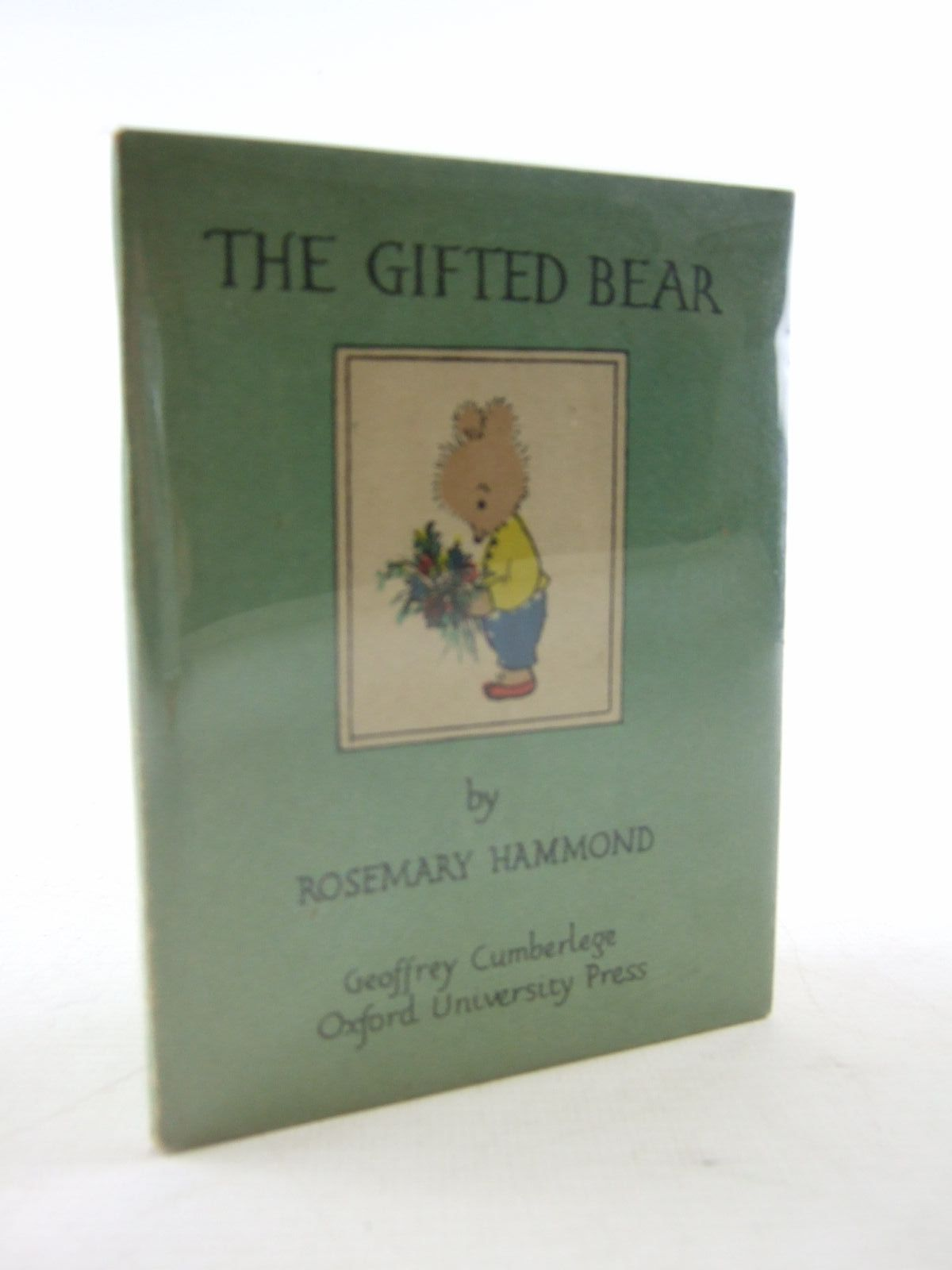 Photo of THE GIFTED BEAR written by Hammond, Rosemary illustrated by Hammond, Rosemary published by Geoffrey Cumberlege, Oxford University Press (STOCK CODE: 1706677)  for sale by Stella & Rose's Books