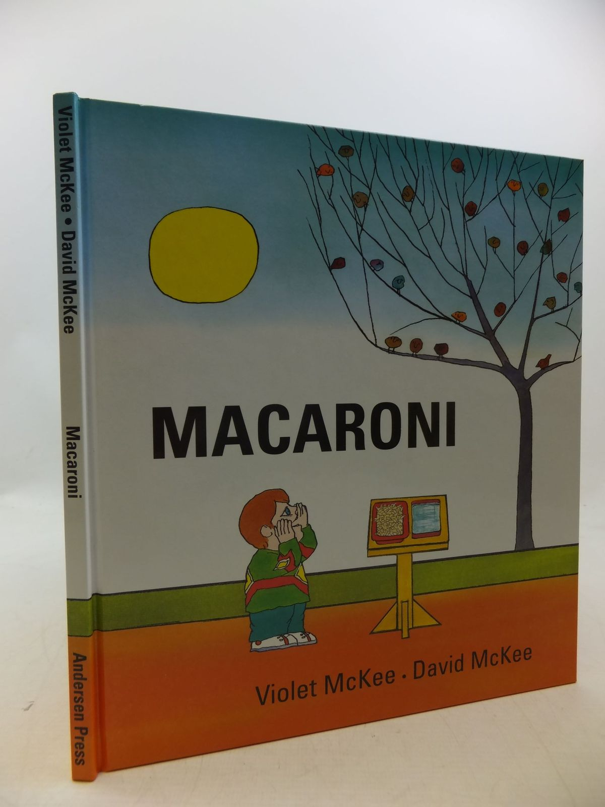 Photo of MACARONI written by McKee, Violet illustrated by McKee, David published by Andersen Press (STOCK CODE: 1710199)  for sale by Stella & Rose's Books