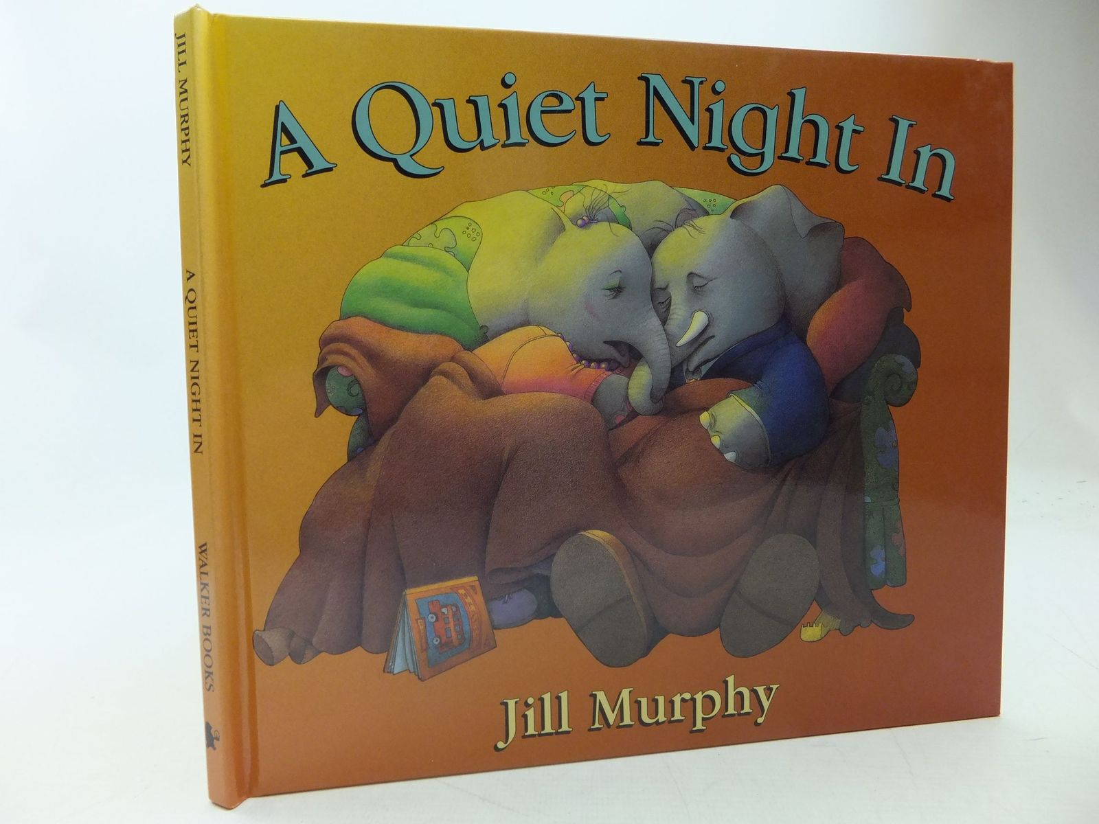Photo of A QUIET NIGHT IN written by Murphy, Jill illustrated by Murphy, Jill published by Walker Books (STOCK CODE: 1710265)  for sale by Stella & Rose's Books