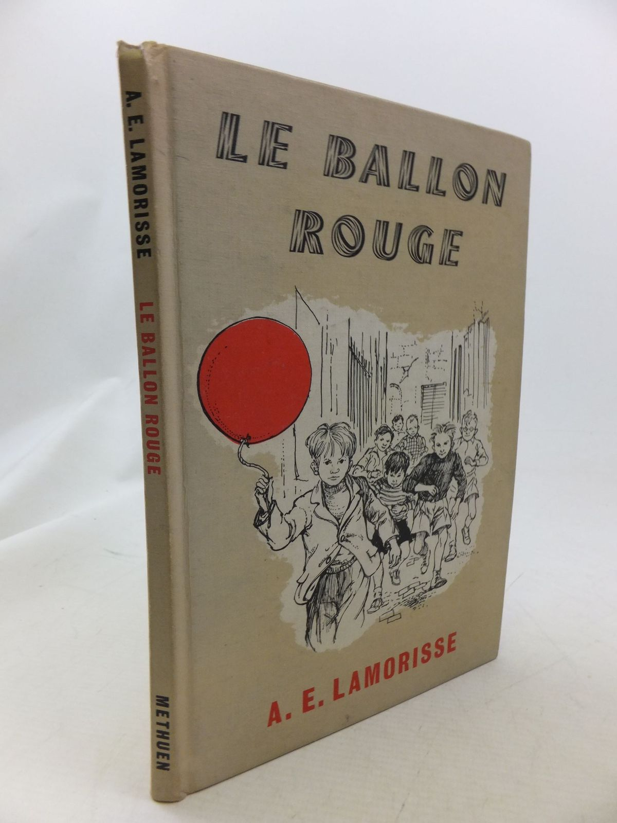 Photo of LE BALLON ROUGE written by Lamorisse, Albert illustrated by Hughes, Shirley published by Methuen & Co. Ltd. (STOCK CODE: 1710973)  for sale by Stella & Rose's Books