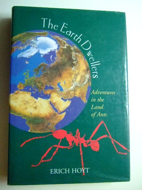 Photo of THE EARTH DWELLERS written by Hoyt, Erich published by Mainstream Publishing (STOCK CODE: 1802932)  for sale by Stella & Rose's Books