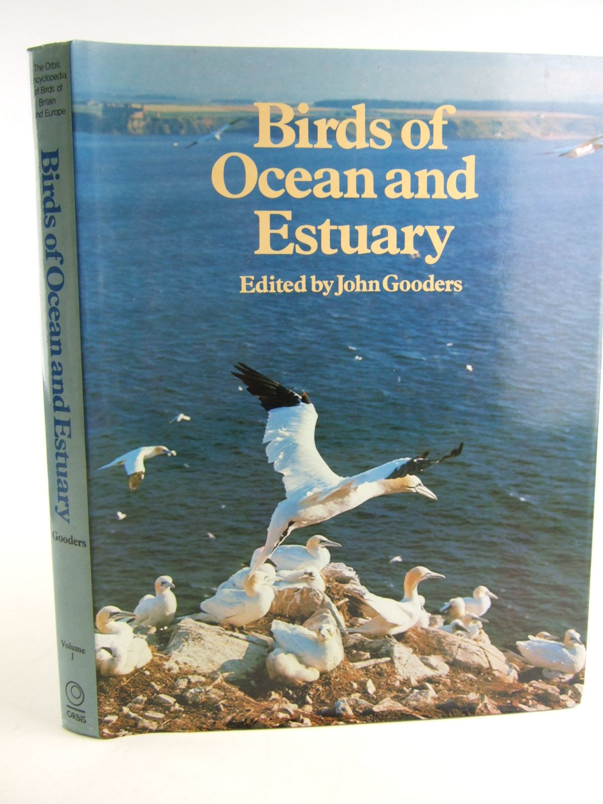 Photo of BIRDS OF OCEAN AND ESTUARY written by Gooders, John published by Orbis (STOCK CODE: 1805138)  for sale by Stella & Rose's Books