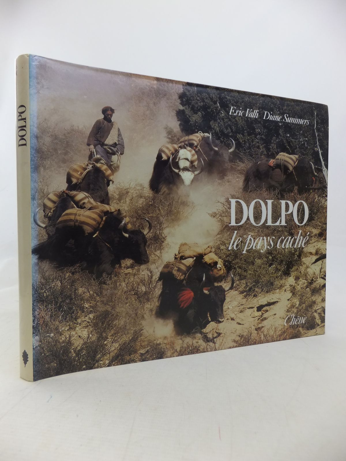 Photo of DOLPO LE PAYS CACHE written by Valli, Eric<br />Summers, Diane published by Chene (STOCK CODE: 1809854)  for sale by Stella & Rose's Books