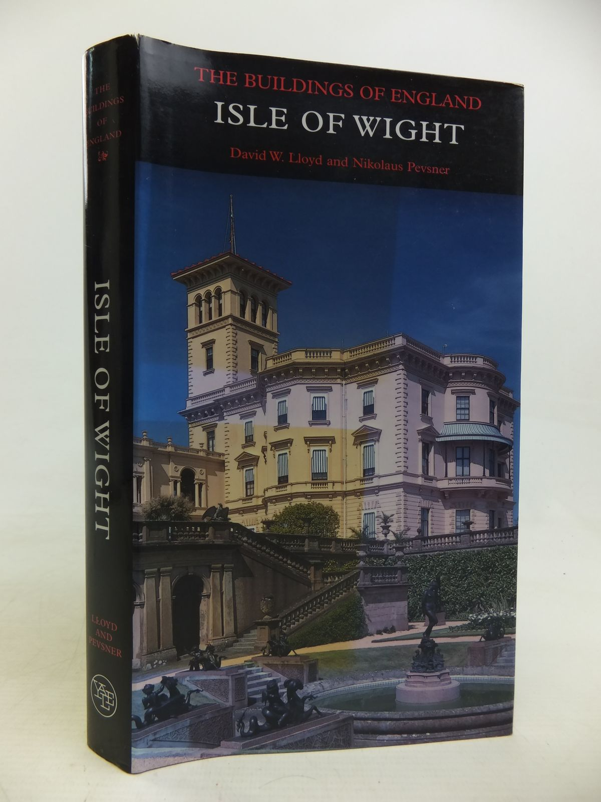 Photo of THE ISLE OF WIGHT (BUILDINGS OF ENGLAND)