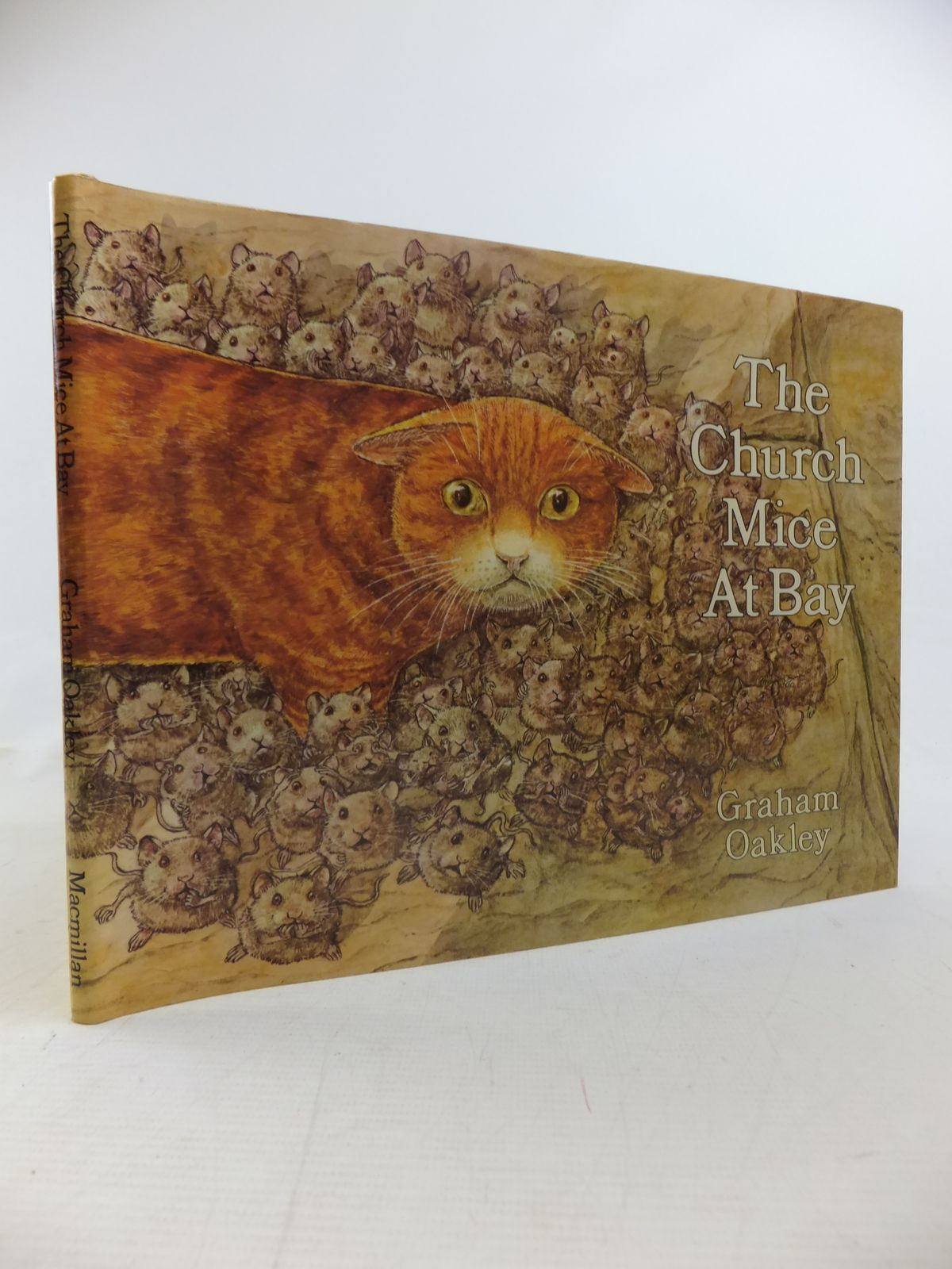 Photo of THE CHURCH MICE AT BAY written by Oakley, Graham illustrated by Oakley, Graham published by MacMillan (STOCK CODE: 1811045)  for sale by Stella & Rose's Books
