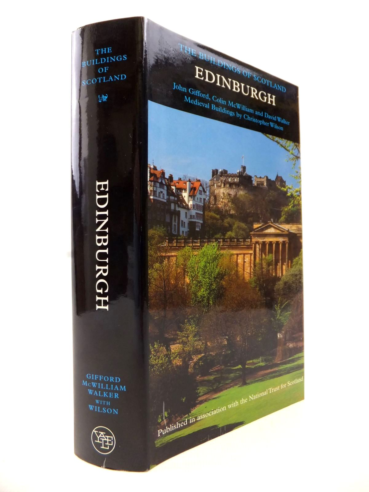 Photo of EDINBURGH (BUILDINGS OF SCOTLAND) written by Gifford, John<br />McWilliam, Colin<br />Walker, David published by Yale University Press (STOCK CODE: 1813731)  for sale by Stella & Rose's Books