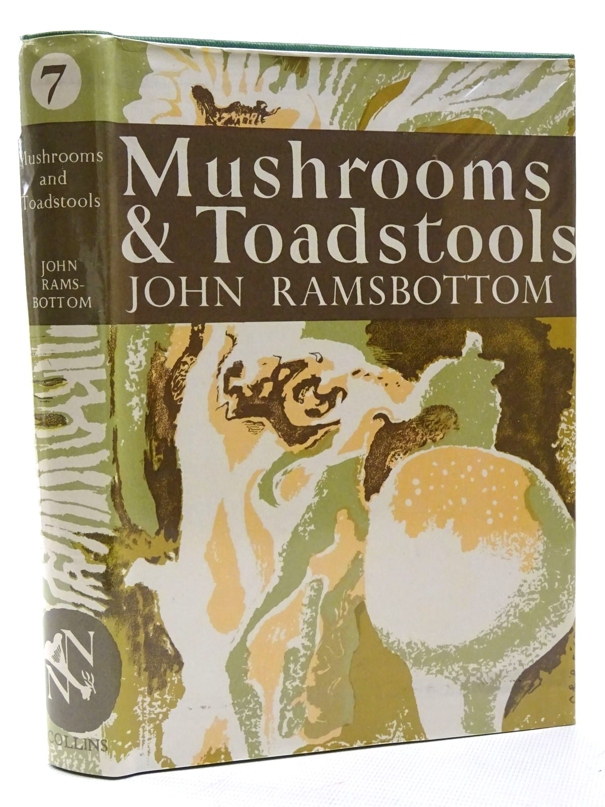 Photo of MUSHROOMS AND TOADSTOOLS (NN 7) written by Ramsbottom, John illustrated by De Laszlo, Paul L. published by Collins (STOCK CODE: 1815695)  for sale by Stella & Rose's Books