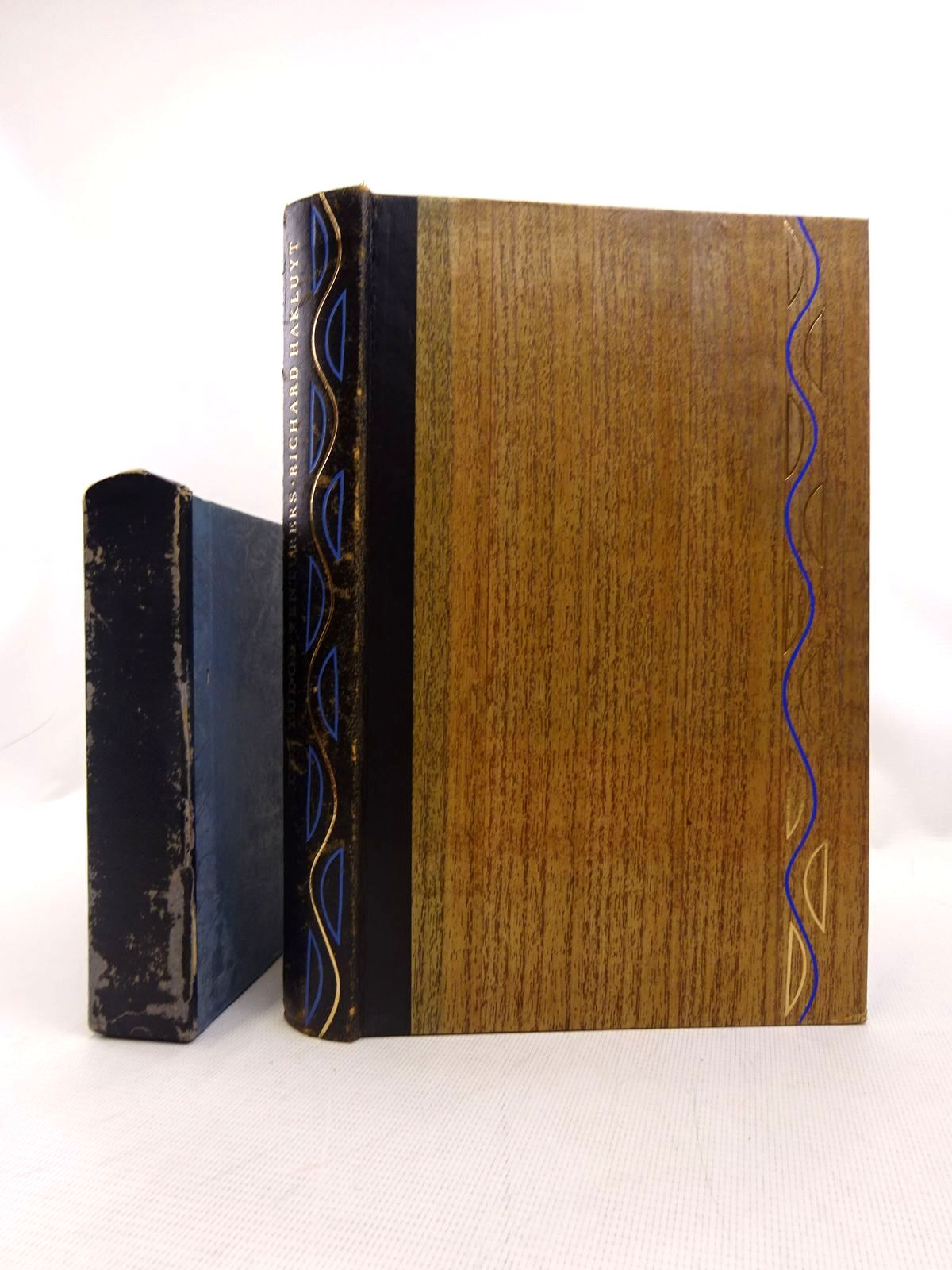 Photo of THE TUDOR VENTURERS written by Hakluyt, Richard<br />Hampden, John published by Folio Society (STOCK CODE: 1816623)  for sale by Stella & Rose's Books