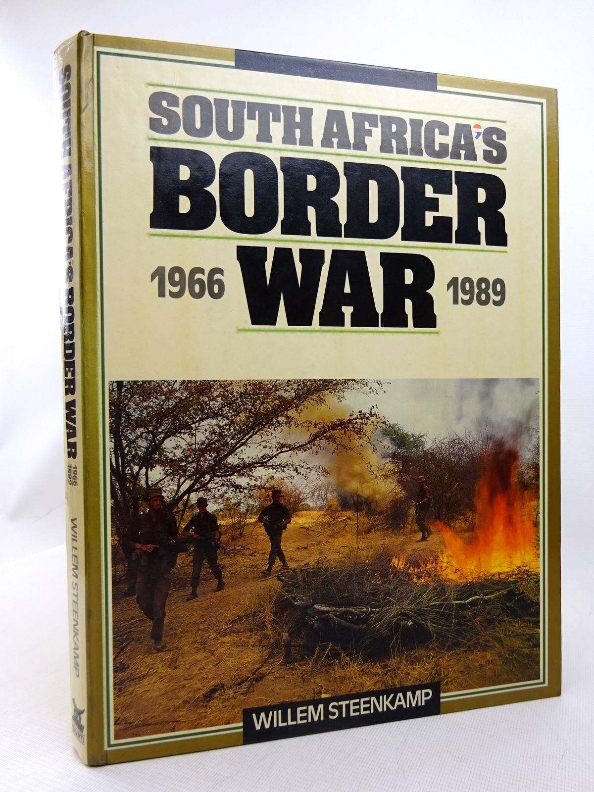 Photo of SOUTH AFRICA'S BORDER WAR 1966-1989 written by Steenkamp, Willem published by Ashanti Publishing (STOCK CODE: 1816927)  for sale by Stella & Rose's Books