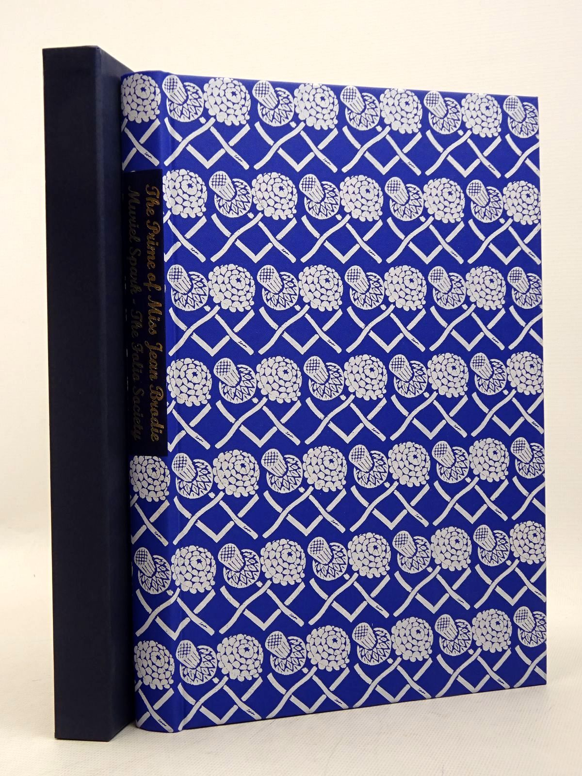 Photo of THE PRIME OF MISS JEAN BRODIE written by Spark, Muriel illustrated by Cook, Beryl published by Folio Society (STOCK CODE: 1817281)  for sale by Stella & Rose's Books