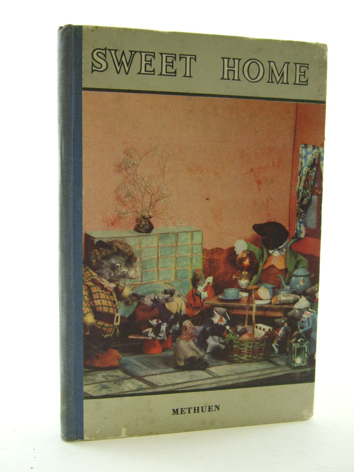 Photo of SWEET HOME written by Grahame, Kenneth illustrated by Henning, Paul published by Methuen & Co. Ltd. (STOCK CODE: 2109159)  for sale by Stella & Rose's Books