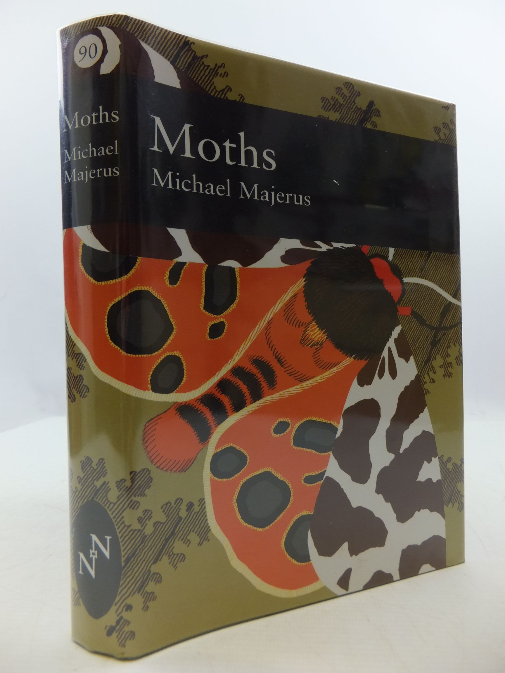 Photo of MOTHS (NN 90) written by Majerus, Michael E.N. published by Harper Collins (STOCK CODE: 2110327)  for sale by Stella & Rose's Books