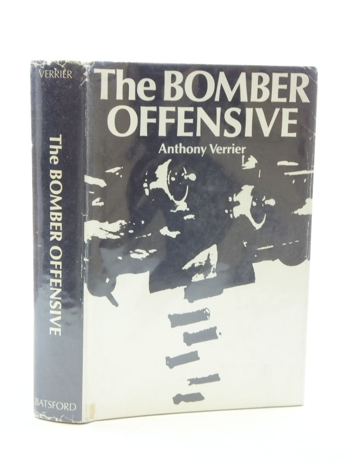 Photo of THE BOMBER OFFENSIVE written by Verrier, Anthony published by B.T. Batsford (STOCK CODE: 2110605)  for sale by Stella & Rose's Books