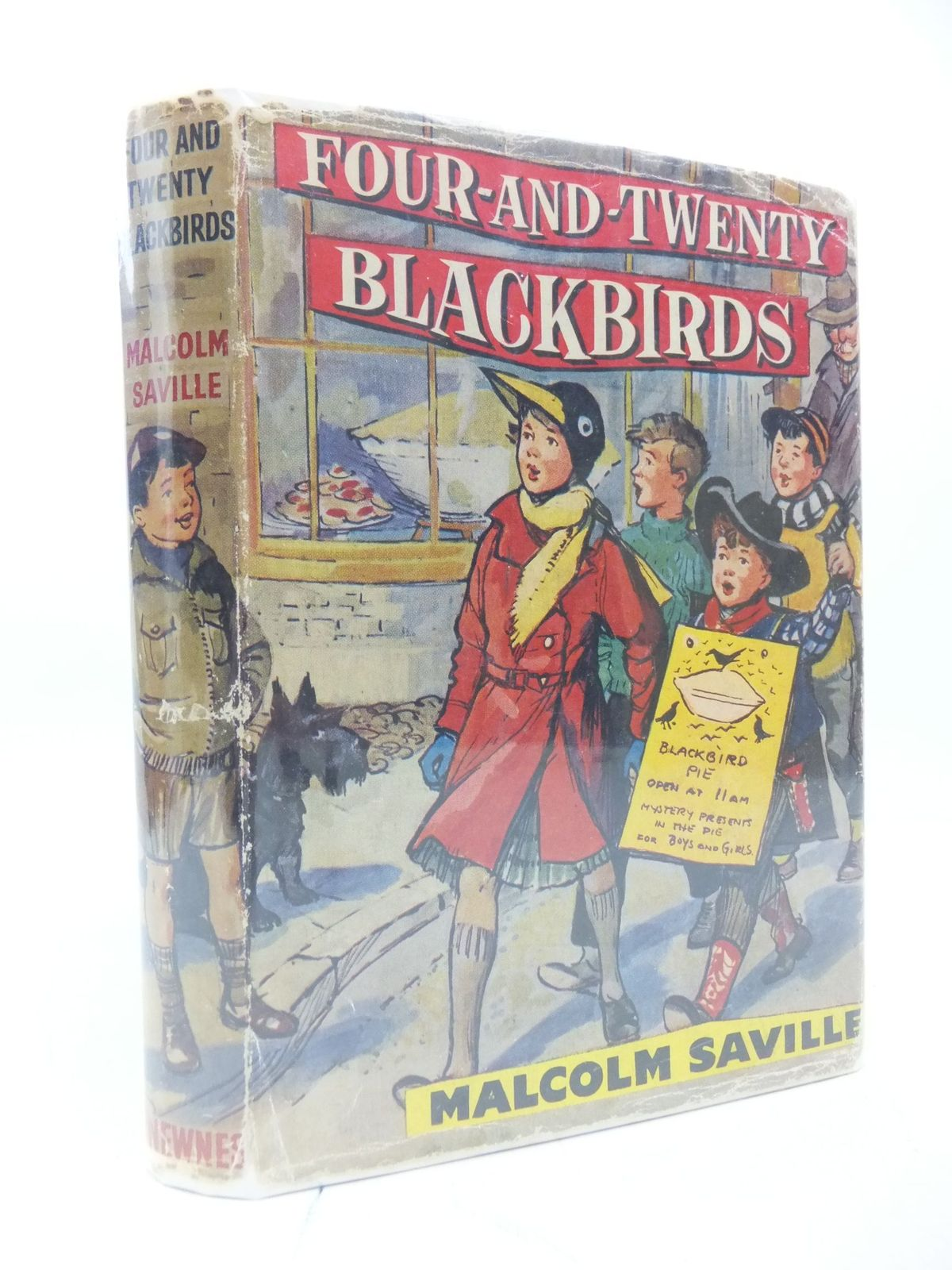 Photo of FOUR-AND-TWENTY BLACKBIRDS written by Saville, Malcolm illustrated by Buchanan, Lilian published by George Newnes Limited (STOCK CODE: 2112118)  for sale by Stella & Rose's Books