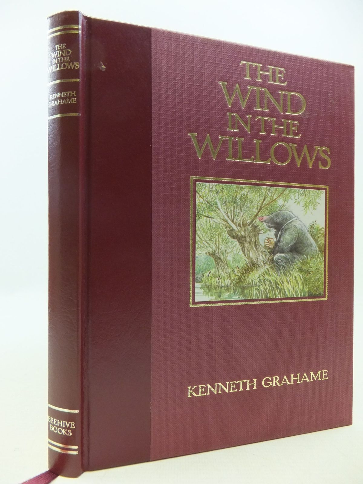 Photo of THE WIND IN THE WILLOWS written by Grahame, Kenneth illustrated by Hall, Douglas<br />Mosely, Francis published by Beehive Books (STOCK CODE: 2112569)  for sale by Stella & Rose's Books