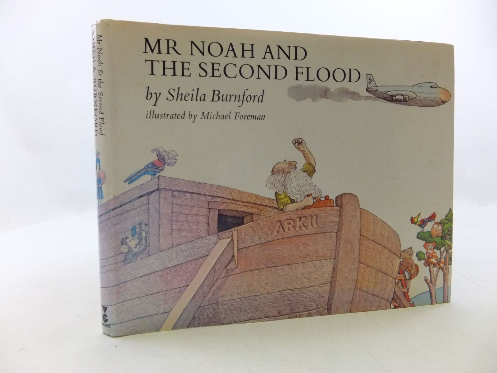 Photo of MR NOAH AND THE SECOND FLOOD written by Burnford, Sheila illustrated by Foreman, Michael published by Victor Gollancz Ltd. (STOCK CODE: 2112655)  for sale by Stella & Rose's Books