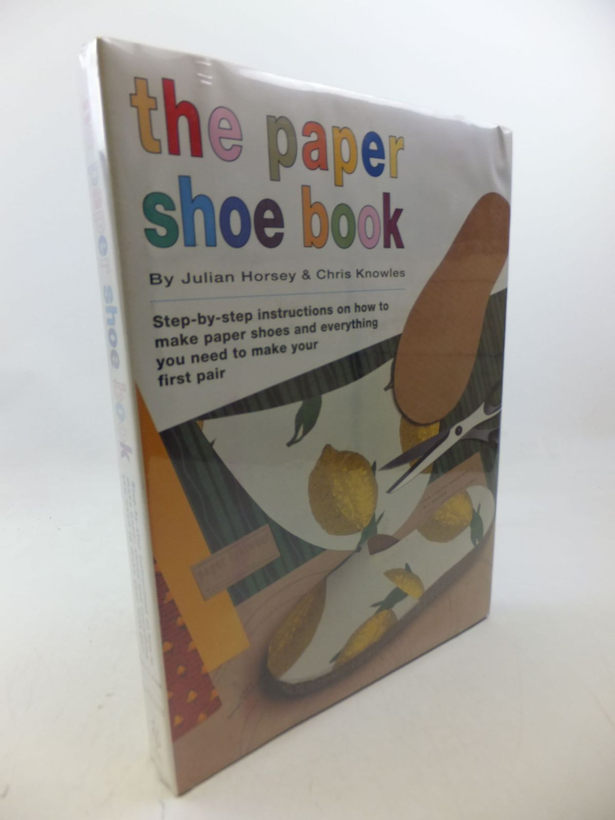 Photo of THE PAPER SHOE BOOK written by Horsey, Julian<br />Knowles, Chris published by Ebury Press (STOCK CODE: 2112920)  for sale by Stella & Rose's Books