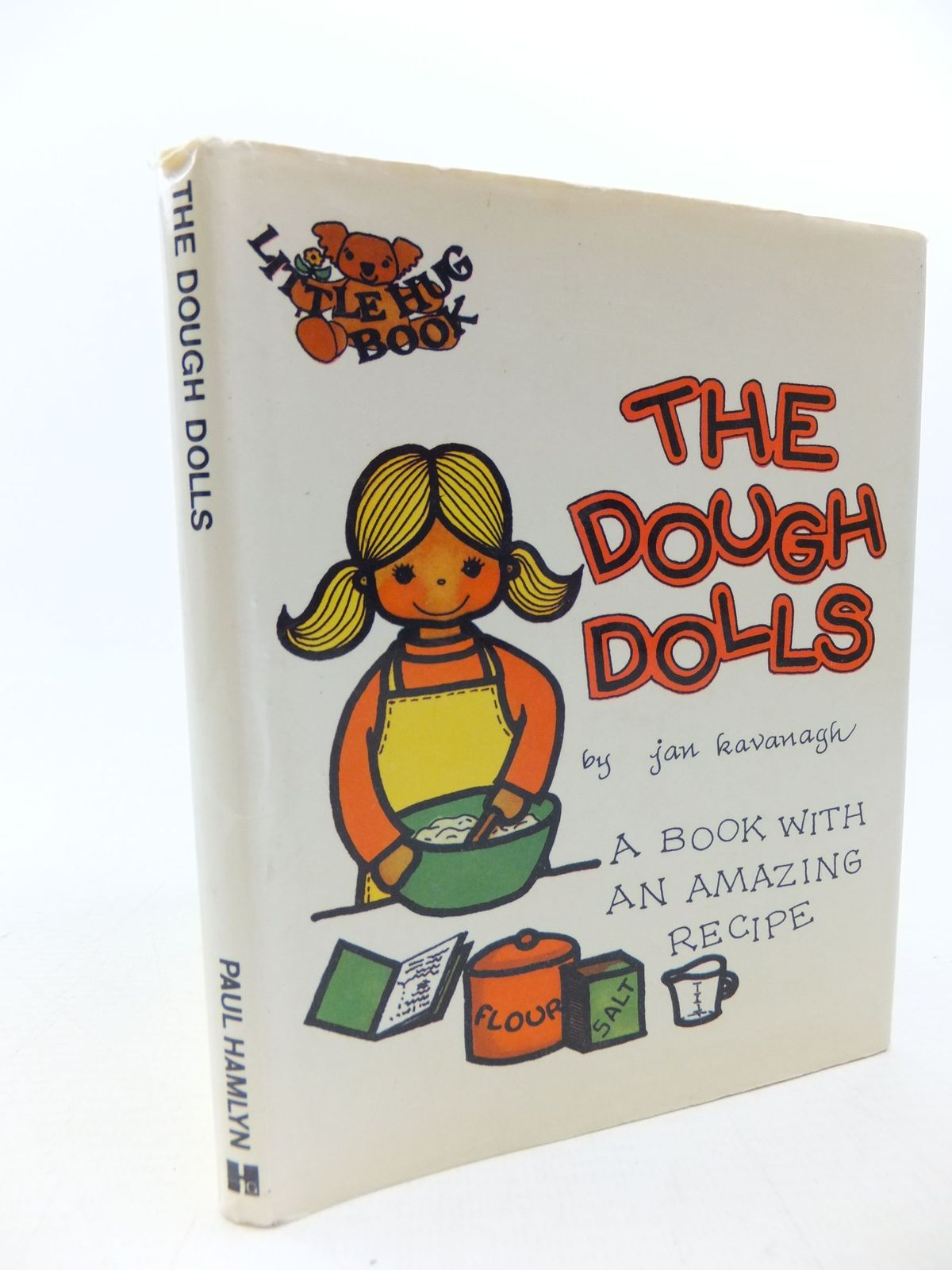 Photo of THE DOUGH DOLLS written by Kavanagh, Jan published by Paul Hamlyn (STOCK CODE: 2114082)  for sale by Stella & Rose's Books