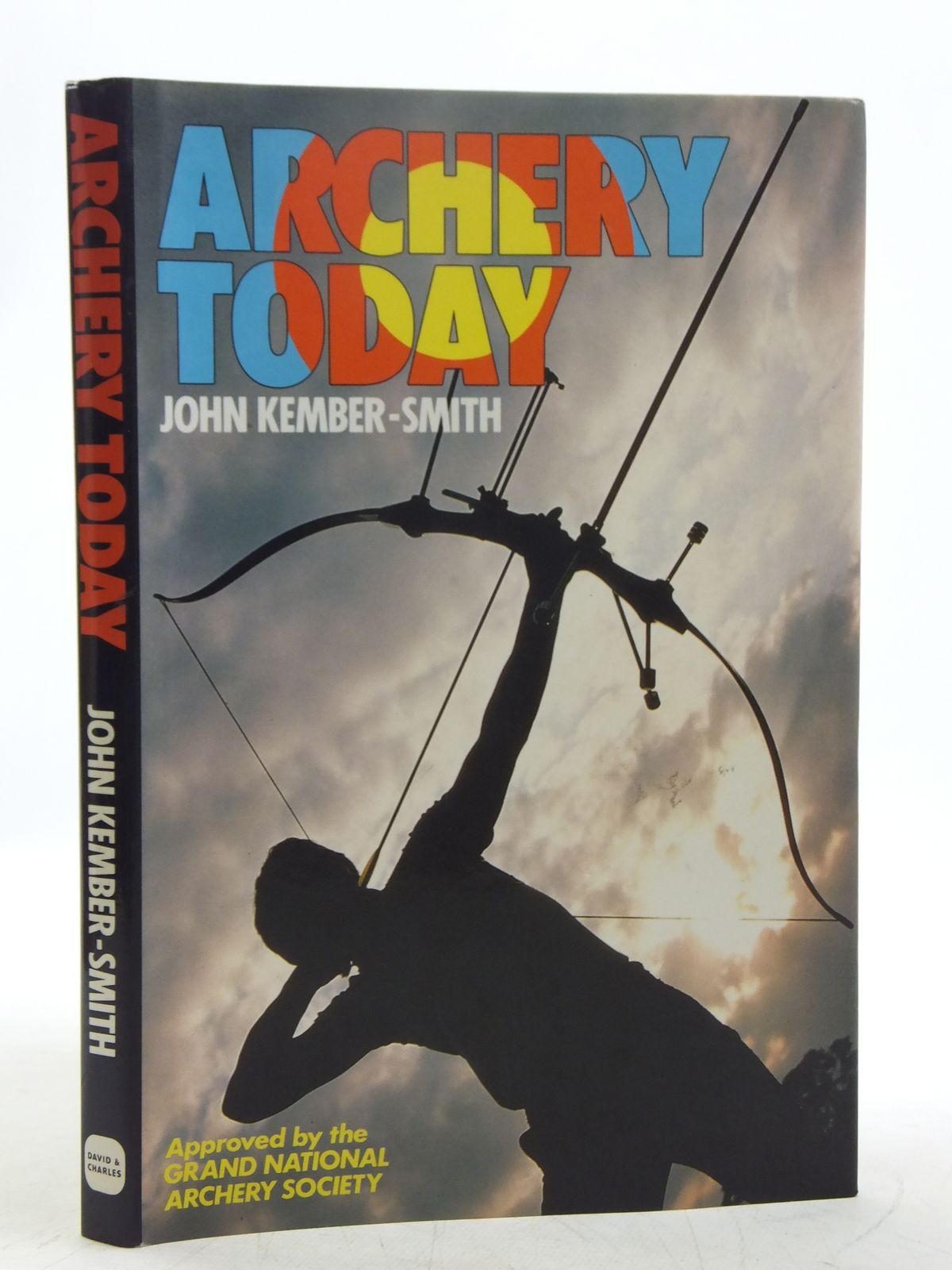 Photo of ARCHERY TODAY written by Kember-Smith, John published by David & Charles (STOCK CODE: 2118755)  for sale by Stella & Rose's Books