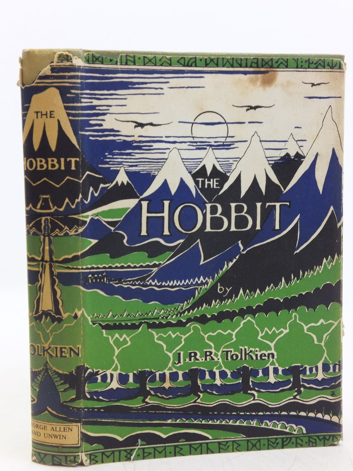 a book report on the hobbit by j r r tolkien The hobbit [jrr tolkien, christopher tolkien] on amazoncom free shipping on qualifying offers this deluxe hardcover edition of jrr tolkien's classic prelude to his lord of the rings trilogy contains a short introduction by christopher tolkien.