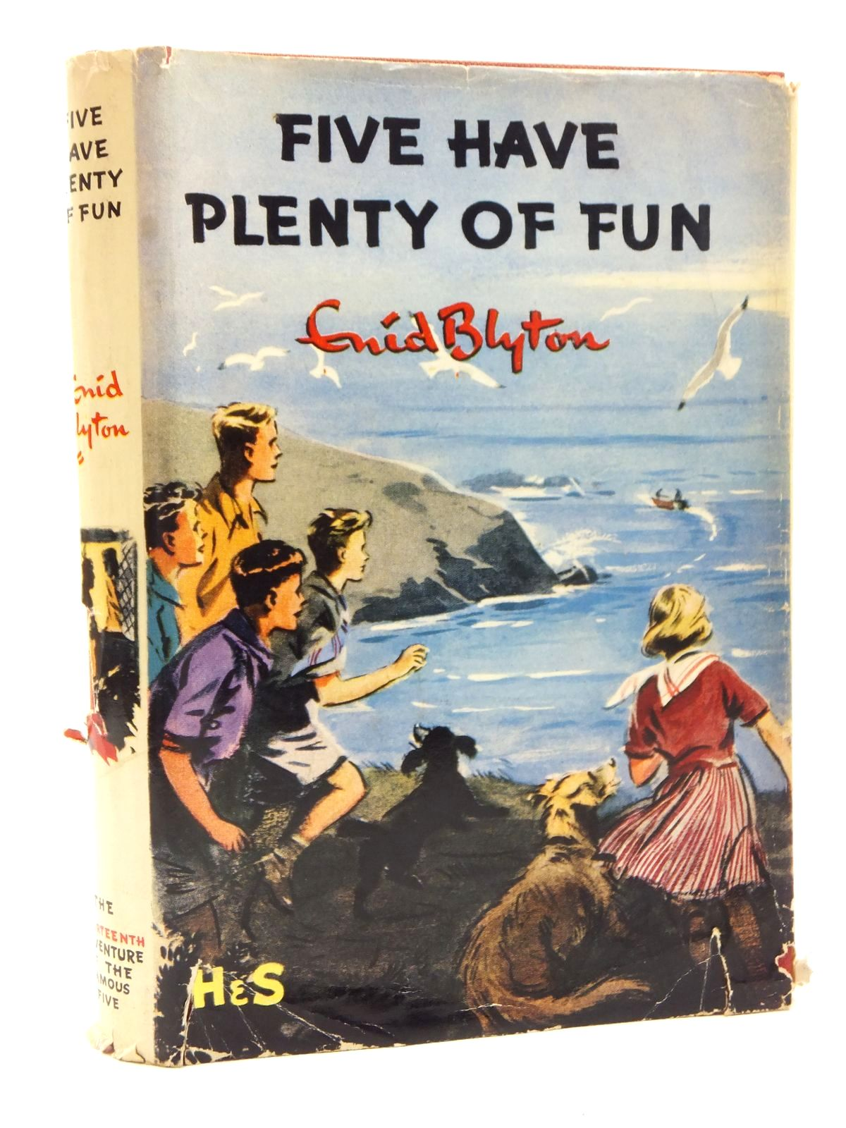 Photo of FIVE HAVE PLENTY OF FUN written by Blyton, Enid illustrated by Soper, Eileen published by Hodder & Stoughton (STOCK CODE: 2123705)  for sale by Stella & Rose's Books