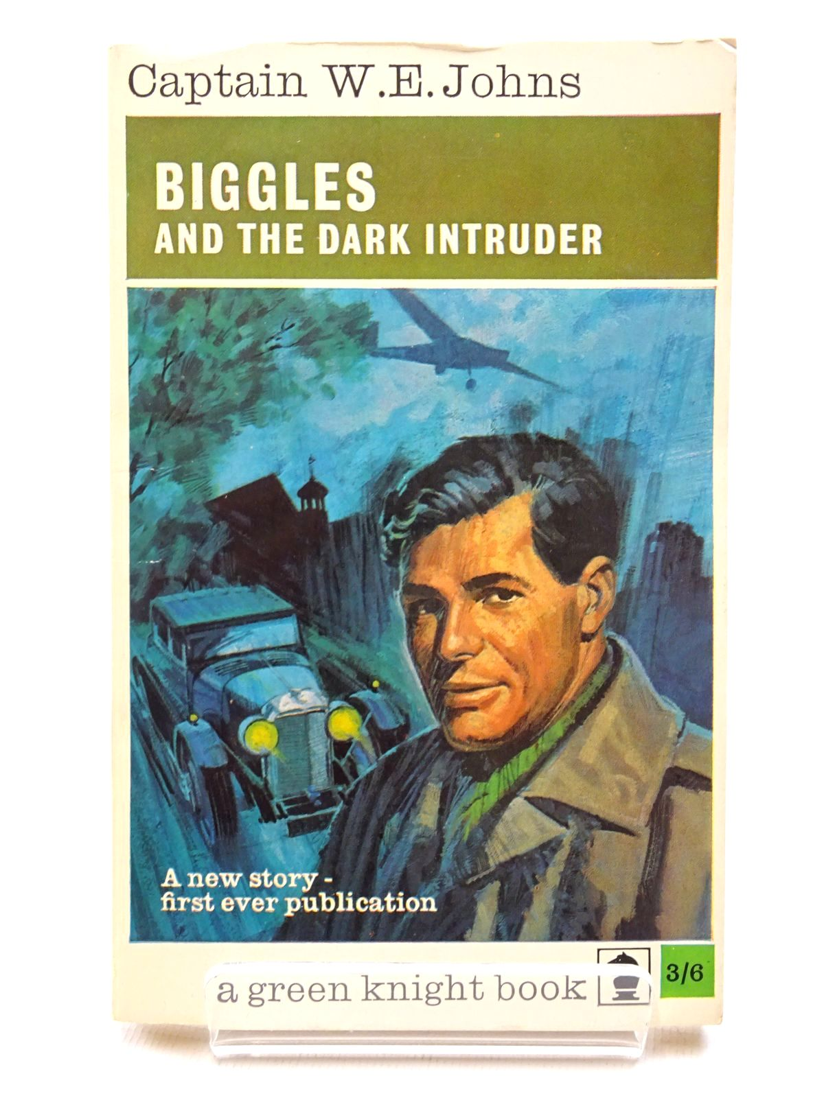 Photo of BIGGLES AND THE DARK INTRUDER written by Johns, W.E. published by Knight Books (STOCK CODE: 2124451)  for sale by Stella & Rose's Books