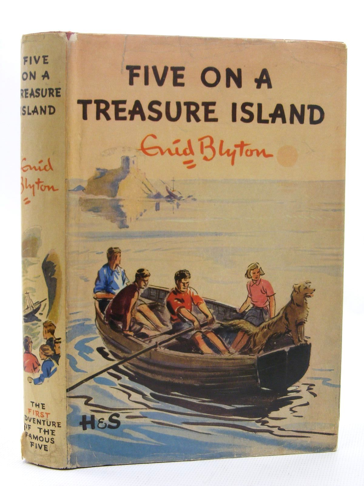 Photo of FIVE ON A TREASURE ISLAND written by Blyton, Enid illustrated by Soper, Eileen published by Hodder & Stoughton (STOCK CODE: 2124864)  for sale by Stella & Rose's Books